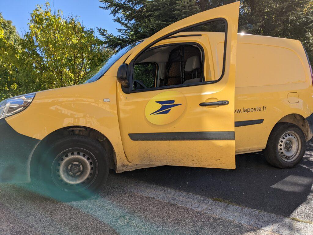 Vehicule La Poste